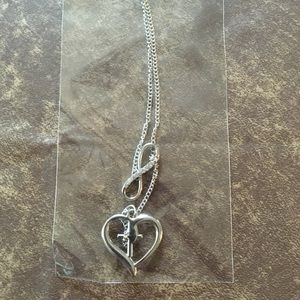 Jewelry - NEW-Heart Necklace   (#05)